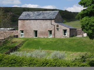 Beautiful Barn with Internet Access and Satellite Or Cable TV - Quarnford vacation rentals