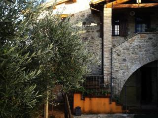 3 bedroom Bed and Breakfast with Internet Access in Massa Martana - Massa Martana vacation rentals