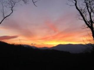 Sunset from back porch - Little Bear Paw - Ellijay GA - Ellijay - rentals
