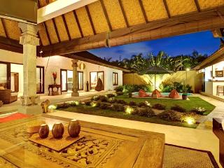 Pevali, Luxury 3BR Villa, Central Seminyak - Seminyak vacation rentals
