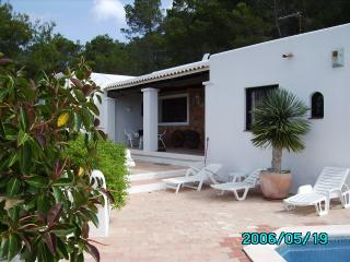 Cozy 3 bedroom Villa in Cala Llonga - Cala Llonga vacation rentals