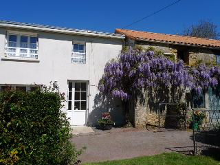 Le Gite Tranquille - La Chapelle-Themer vacation rentals