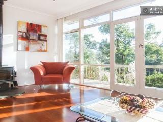 Eltham Retreat - Warm, Bright & Sunny Home - Melbourne vacation rentals