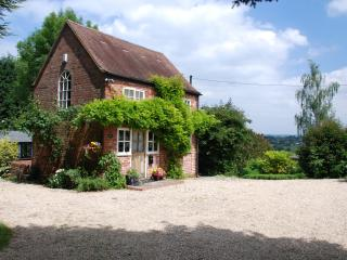 Romantic Cottage with Internet Access and Satellite Or Cable TV - Strensham vacation rentals