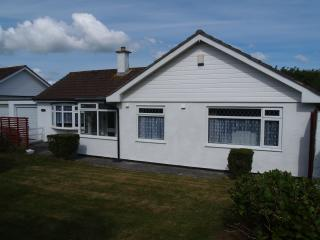 Comfortable 3 bedroom Portscatho Bungalow with Internet Access - Portscatho vacation rentals