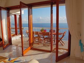 Bright 3 bedroom Marina del Cantone House with A/C - Marina del Cantone vacation rentals