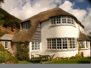 Thatchways- Stunning location, beautiful sea views - Crackington Haven vacation rentals