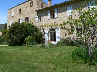 Cozy 2 bedroom Gite in Sisteron - Sisteron vacation rentals