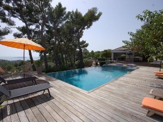 4 bedroom Villa in Ceyreste, Provence, France : ref 2018032 - Ceyreste vacation rentals