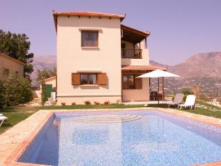 Comfortable 2 bedroom Villa in Pendamodi with Internet Access - Pendamodi vacation rentals