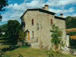 Cozy 2 bedroom Farmhouse Barn in Brisighella with Garden - Brisighella vacation rentals