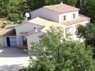 Bright 5 bedroom House in Cabasse - Cabasse vacation rentals