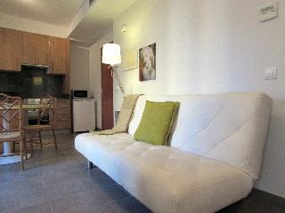 Beautiful Girona Studio rental with Internet Access - Girona vacation rentals