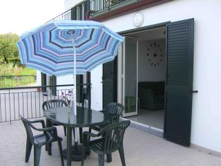 2 bedroom Townhouse with Internet Access in Patti - Patti vacation rentals