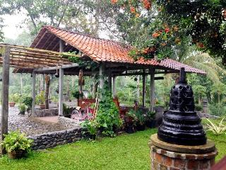 2 bedroom Guest house with A/C in Borobudur - Borobudur vacation rentals