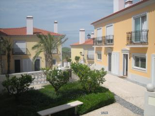 2 bedroom Townhouse with Tennis Court in Amoreira - Amoreira vacation rentals