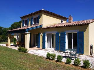 Modern Villa with shared pool and tennis courts - Saint-Cezaire-sur-Siagne vacation rentals