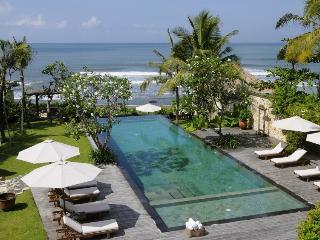 Villa Waringin: Beachfront villa close to Seminyak - Pererenan vacation rentals