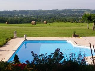 Lovely Farmhouse Barn with Internet Access and Balcony - Saint-Andre-et-Appelles vacation rentals