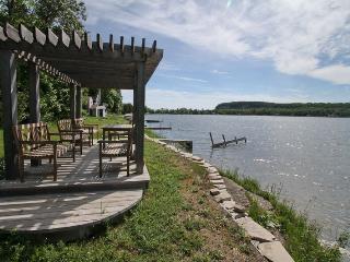 Lou's Haven cottage (#881) - Lions Head vacation rentals