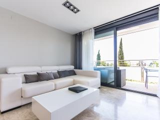 Comfortable 3 bedroom Valencia Condo with Internet Access - Valencia vacation rentals