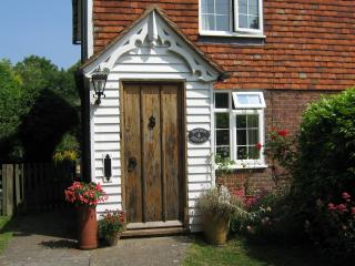 Barden Cottage, St.Michaels, Tenterden - Tenterden vacation rentals