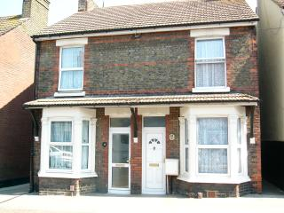 3 bedroom House with Internet Access in Sittingbourne - Sittingbourne vacation rentals