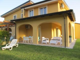 Pizzo Beach Villa 6V - Pizzo vacation rentals