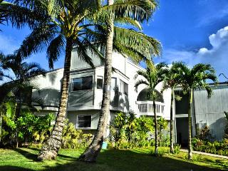 4 room townhome on the golf course with ocean view - Princeville vacation rentals