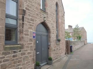 Stunning garden beach flat w/WiFi - Berwick upon Tweed vacation rentals