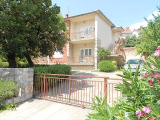 Comfortable 2 bedroom House in Crikvenica - Crikvenica vacation rentals