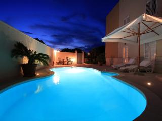 Apt Royal - Lapad with pool - Dubrovnik vacation rentals