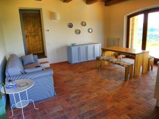 Ideal rural retreat in the Marche - Urbino area - Montelabbate vacation rentals