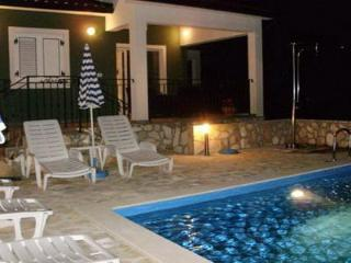 Private accommodation - holiday house Ripenda Kras 6156 3-room-suite - Labin vacation rentals