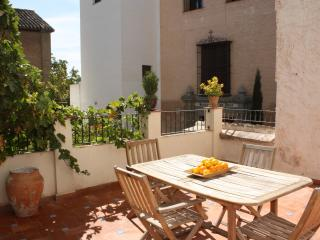 Charming historic San José apt 1B in Albaicin - Granada vacation rentals