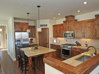 Brand New Luxury 3 Bedroom Townhome in Deschutes Landing - Bend vacation rentals