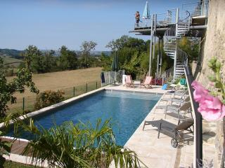 Charming Farmhouse Barn with Internet Access and Satellite Or Cable TV - Najac vacation rentals