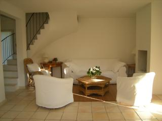 Nice Villa with Internet Access and Central Heating - Aix-en-Provence vacation rentals