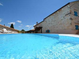 Spacious Villa with Internet Access and Dishwasher - Baderna vacation rentals