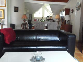Romantic 1 bedroom Lombez Bed and Breakfast with Internet Access - Lombez vacation rentals