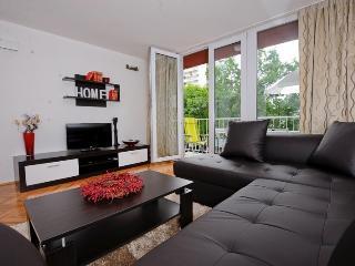 New!Beautifully furnished 3 bedrooms,2 bathrooms - Rijeka vacation rentals