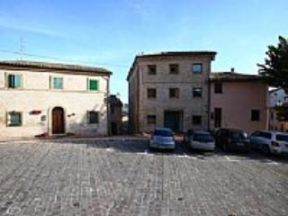 Appartamento Berardo A - Avacelli vacation rentals