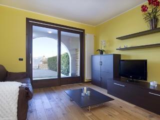 Levo Guesthouse - Stresa vacation rentals