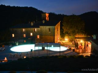 Comfortable 6 bedroom Villa in Apecchio - Apecchio vacation rentals