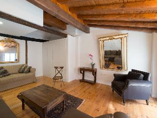Perfect 2 bedroom Apartment in Pamplona - Pamplona vacation rentals