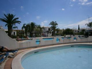 Comfortable Condo with Internet Access and Dishwasher - Albufeira vacation rentals