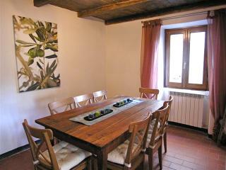 Italian hideaway in beautiful Tuscany - Licciana Nardi vacation rentals
