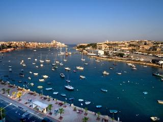 Nice 3 bedroom Penthouse in Il Gzira - Il Gzira vacation rentals