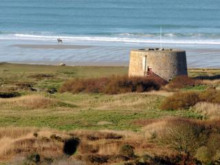 Comfortable Fort with Satellite Or Cable TV and Television - Saint Ouen vacation rentals