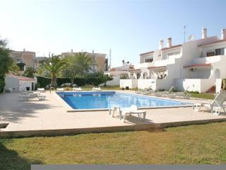 Apartment Oura Parque - 2 Bedrooms - Strip Location - Albufeira vacation rentals